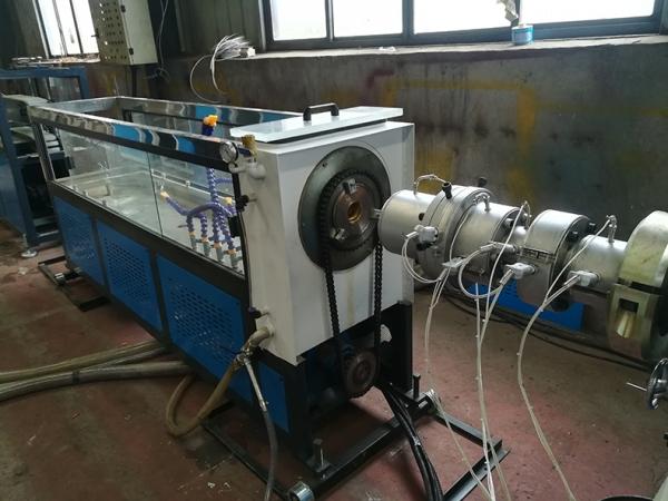 双螺杆预应力波纹管设备